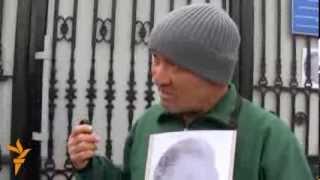 Где танцующий президент?(Как сообщил «Азаттыку» правозащитник Ондуруш Токтонасыров, сегодня он собирается провести акцию протеста..., 2013-12-04T09:44:11.000Z)