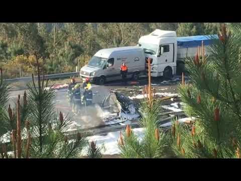 Muere un camionero en un accidente en la A-8, en Barreiros
