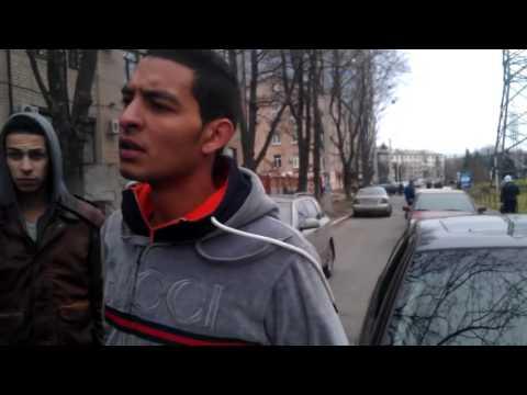 مغربيان  في  مواجهة شرط  اوكرانيا  (kharkov)