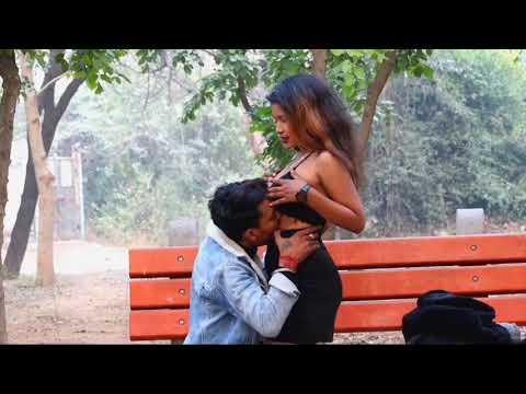 Download बाप रे इतना बड़ा _ social experiment in India _ really kissing prank ..  // PRANK DHAMAKA //