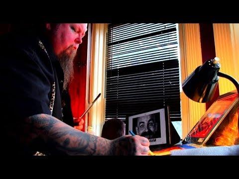 Прахом и кровью: художник из Нью-Йорка создаёт необычные портреты
