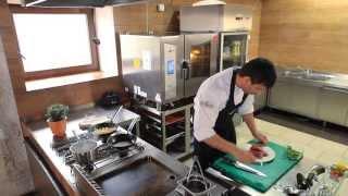 Zdrowa Kuchnia Beef Master - Kawałki polędwicy z roladkami z bakłażana nadziewanymi soczewicą