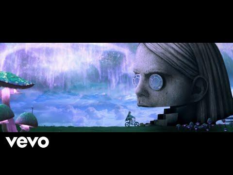 BENEEの最新MV「Snail」公開!カタツムリに魅了されたファンタジーな世界!