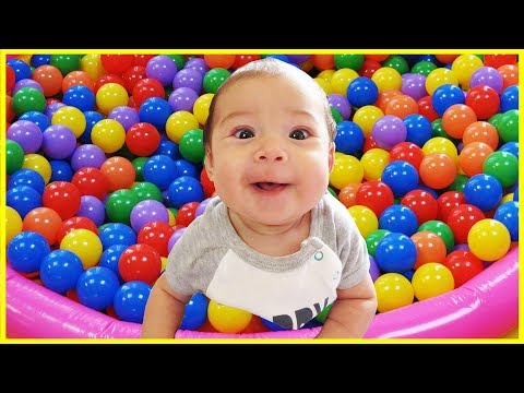 Best Learning Videos for Kids, Learn Colors with Baby and Balls, Finger Family Song Nursery for Kids