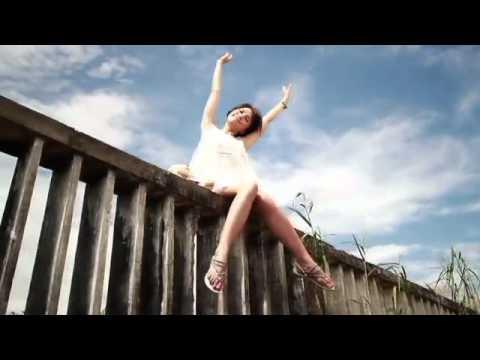 Scandal nhạc việt - Hiền Thục lộ hang trong MV Little Girl mới