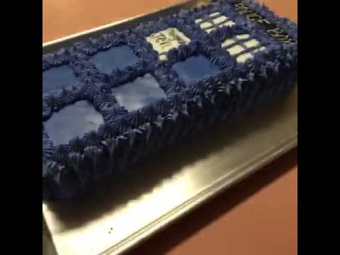 How To Make A Tardis Cake Youtube