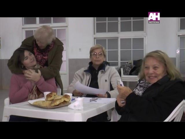 LUCIA MUJICA   LIZ GOMEZ   GUSTAVO MASCI   AREA DE ADULTOS MAYORES CHARLA SOBRE ENVEJECIMIENTO Y SEX