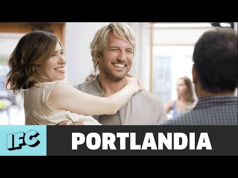 Carrie and the Hunk ft. Ryan Hansen  Portlandia  IFC