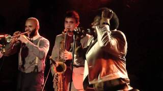 Charles Bradley & Lee Field with The Menahan Street band Live @ La Maroquinerie 17.02.2011 Part3