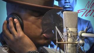 "Ne-Yo Performs ""Coming With You"" Acoustic 