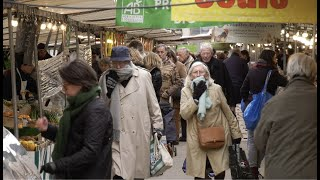 Coronavirus : les marchés ouverts avec les gestes barrières (21 mars 2020, Paris) [4K]