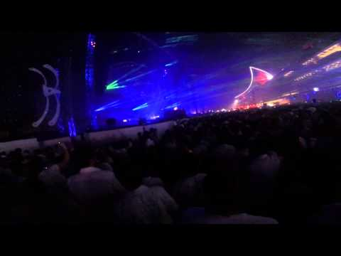 Martin Garrix dropping Moti - Lion (In My Head) @Sensation Dubai
