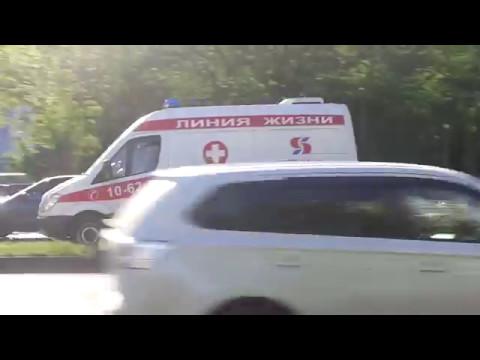 3x Into-Sana ambulances responding