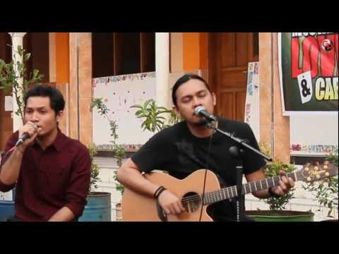 Tak Ada Yang Bisa ( Version Acoustic ) - Andra And The Backbone