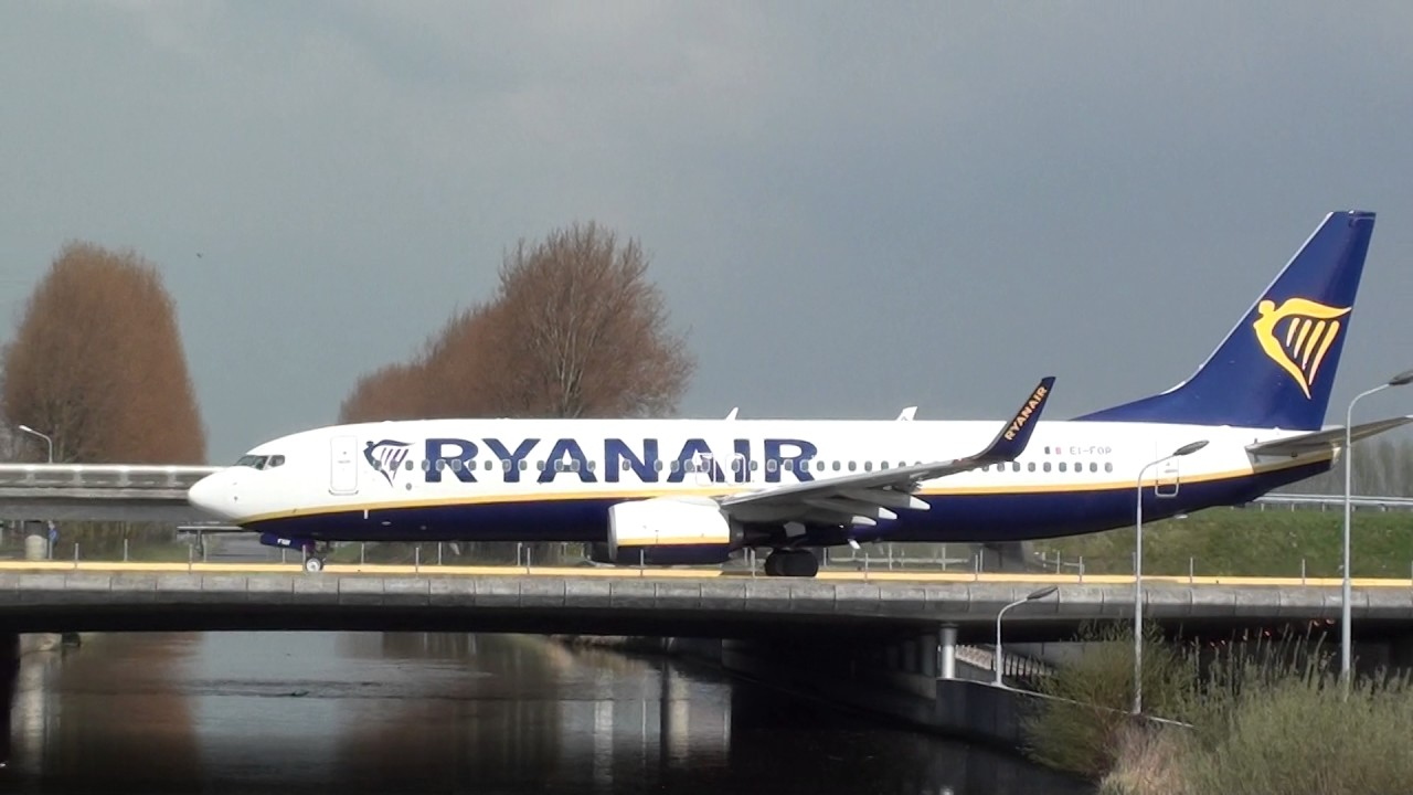 Ryanair Boeing 737-800 EI-FOR Taxing Amsterdam Schiphol - YouTube