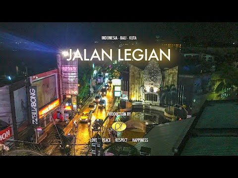 Party in Bali: Riding the Jalan Legian at night with a GoPro on my head:)