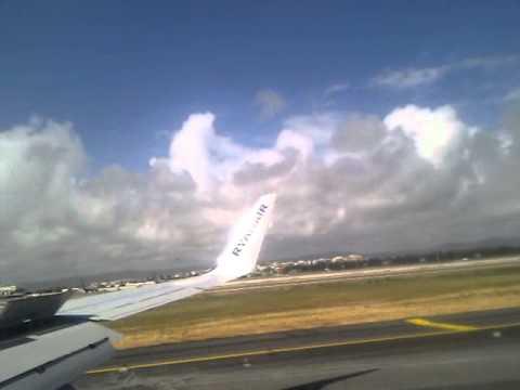 Ryanair arrival in faro from prestwick