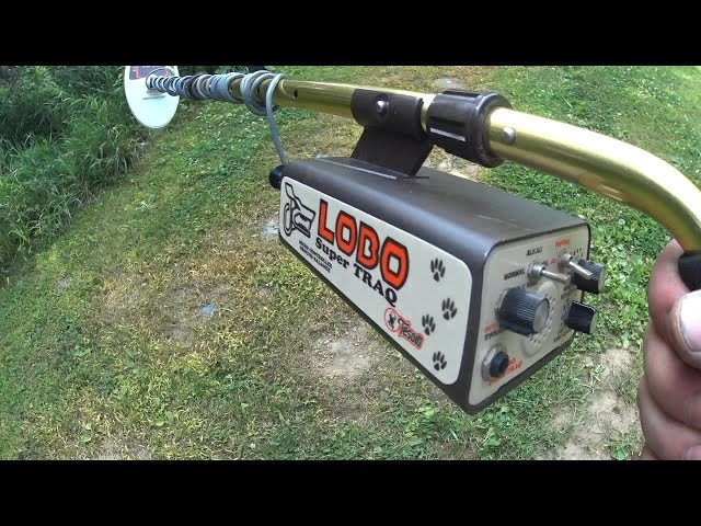 Tesoro Lobo SuperTraq In Depth Metal Detector Test - YouTube