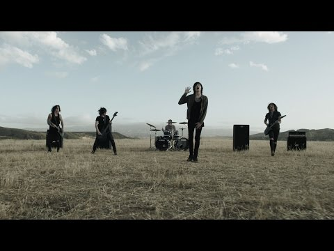 Клип Asking Alexandria - Here I Am