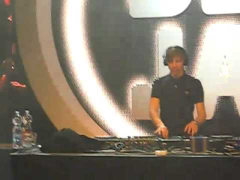 Martin Solveig Live @ DeeJay TV Party (Fake Blood - I Think I Like It) [09 11 10 Milan]