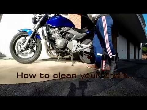 How to clean your motorbike chain