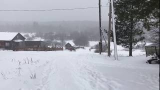 Красивая природа, много снега и урок физкультуры в моем селе