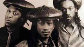 Aswad - Fire [featuring Shabba Ranks]