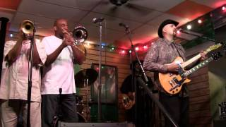 "Chicago Blues All-Stars - ""Walking The Dog"""