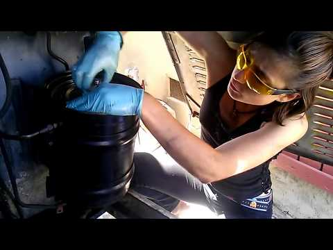 RAGE Bus Project - How to Change Oil in Diesel Bus