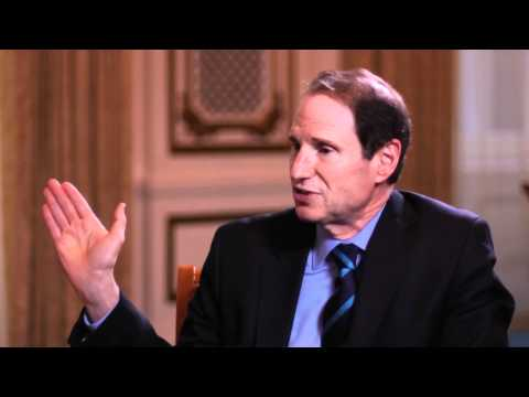 Senator Ron Wyden interviewed at Web 2.0 Summit 2011
