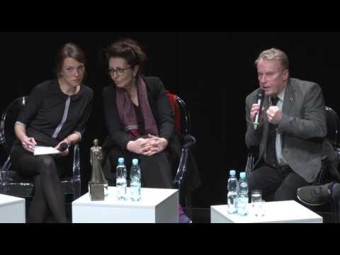 Na pierwszym planie: Marie Noëlle, Daniel Olbrychski, Mikołaj Pokromski