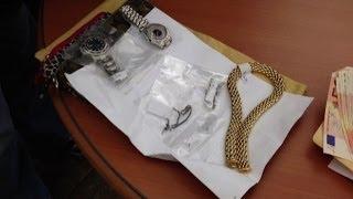 Video Trovato tesoro rubato in case del centro di Milano: 4 denunciati download MP3, 3GP, MP4, WEBM, AVI, FLV Januari 2018