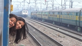 Surprise - Two Pretty Little Girls Add Beauty To Indian Railways Trains!!!