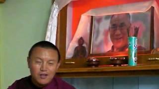 200808_Ven. Bagdro01_Chanting in front of Dalai Lama Photo