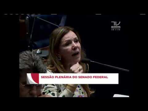 Renan Calheiros decide manter processo de impeachment