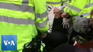 London Police Arrest Rabbi at Climate Change Protest