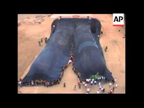 Don Action Jackson - Check Out The World's Record For The Largest Pair Of Jeans Ever