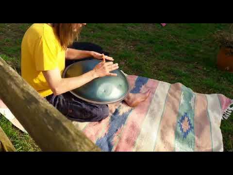 Hang Oder Besser Handpan Von Baur And Brown Im Garten Youtube