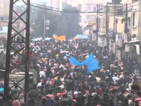 شام حماة   زحف عشرات الآلاف إلى ساحة العاصي 30 12 2011
