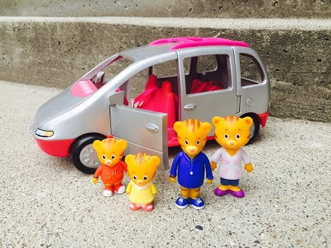 DANIEL TIGER TOYS Drive FISHER PRICE Van to RAINFOREST CAFE Restaurant!
