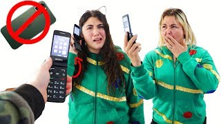 LAST TO USE THE FLIP PHONES WINS AN EXTRA PRESENT Challenge!