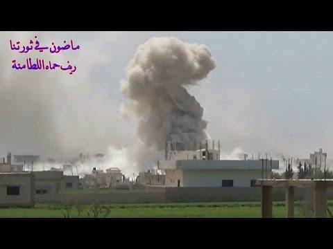 تسجيل فيديو: بلدة اللطامنة في ريف حماة تُقصَف بالطائرات بقنابل محمولة بمظلات  - نشر قبل 15 دقيقة