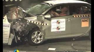 Crash test com o Toyota Corolla XEi -- com airbag