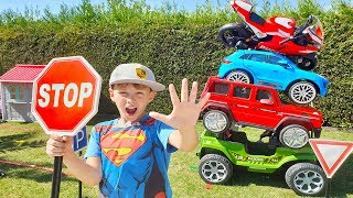 ALİ ARABALARINDAN PİRAMİT YAPTI Little funny drivers Ride on Toy Cars and Mini Bike, for Kids