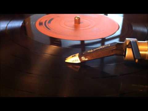 Frankie Jones - Do Buckie Master.wmv