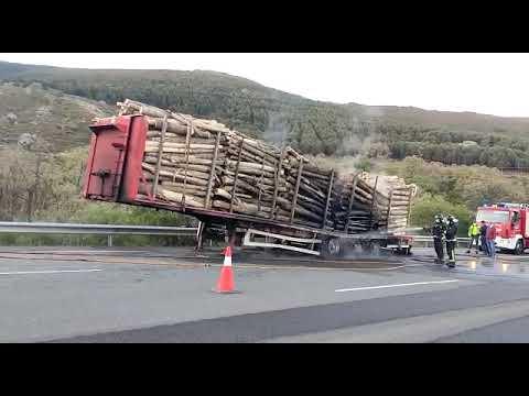 Arde un camión cerca del túnel de Padornelo, en Lubián