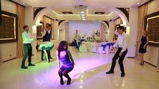 Свадебные танцы. Батл жениха и невесты. Кто главный в доме?