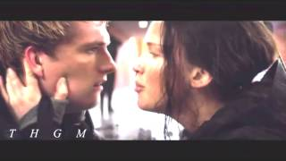 "Katniss & Peeta|| ""Stay with me"" Mockingjay Part 2"