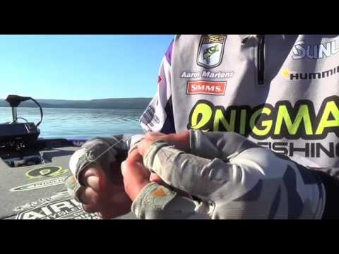 How to tie on a basic drop shot rig with Aaron Martens