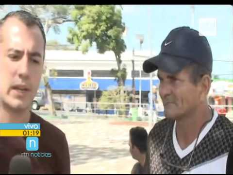 Dirección de migración y consulado de Guatemala entregando visas en La Cruz